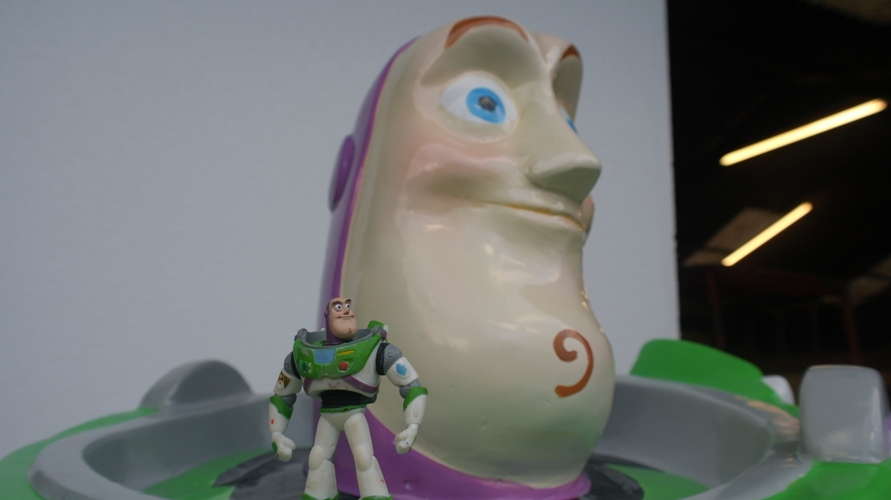 Buzz light year (home)