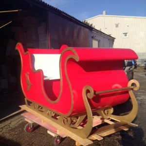 Santas sleigh with gold detail
