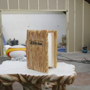 Giant enchanted book, wood effect airbrush decoration