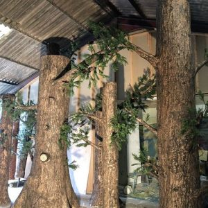 Realistic artificial trees for a theatre production