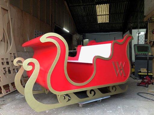 Waldorf Astoria Christmas sleigh